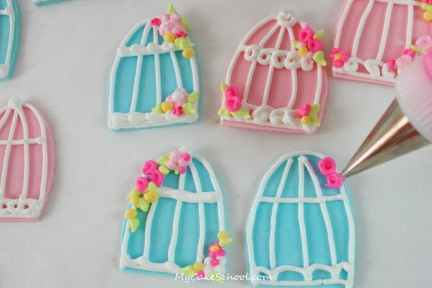 make some birdcage toppers for your cupakes