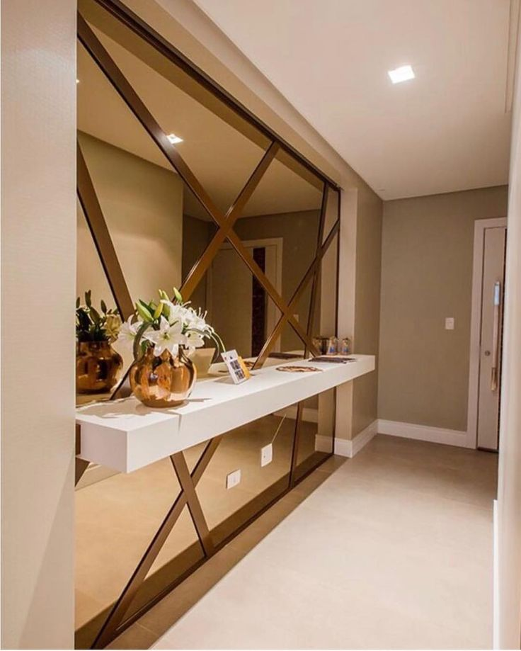 Sobre aqueles projetos que muito inspiram... In love por este Hall de entrada by @anapferreira. Inclusive estou encantada com seu perfil que só tem projetos autorais. Amei! www.homeidea.com.br Face: /homeidea Pinterest: Home Idea #homeidea #arquitetura #ambiente #archdecor #archdesign #projeto #homestyle #home #homedecor #pontodecor #homedesign #photooftheday #interiordesign #interiores #picoftheday #decoration #revestimento #decoracao #architecture #archdaily #inspiration #halldeentrada #h