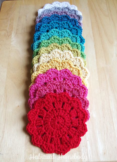 Coasters Free crochet coaster pattern http://www.coatsandclark.com/Crafts/Crochet/Projects/HomeDec/SB149-005+Coasters.htm