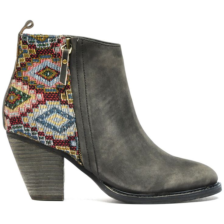 MEER   Mollini #winter #aw14 #boots #tapestry #patterns