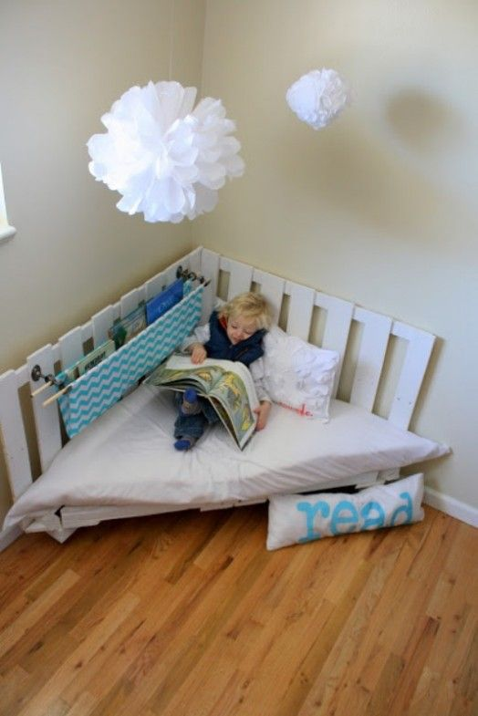 Could also diy this with some reclaimed repurposed wood pallets--15 Compact Reading Nook Inspirations For Kids | Kidsomania