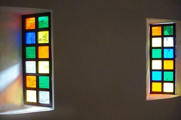 Carpintería, ventanas, marcos, Medellín, Colombia, ventanas en madera, ventanas corredizas, talla en madera, vitrales, áticos, respiraderos, persianas
