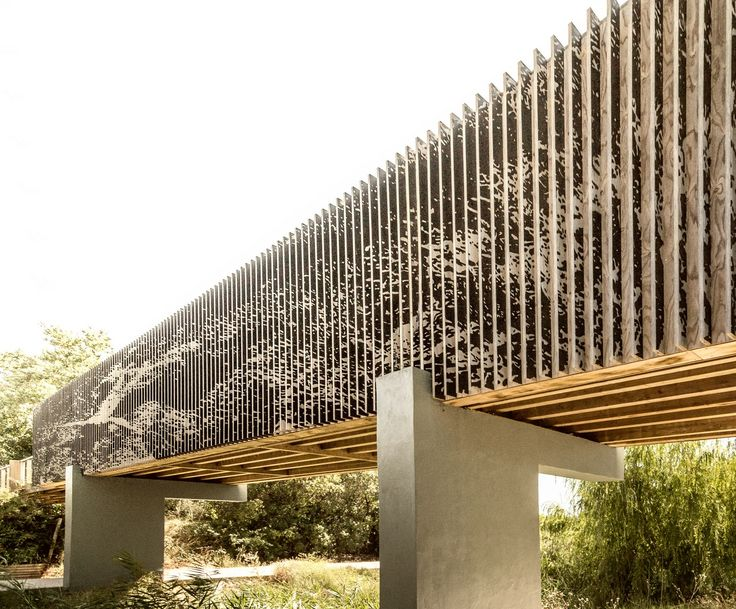 VLM bridge is a pedestrian and bike bridge, part of a wider intervention in a main avenue in the city of Vilamoura. The 160m long wood bridge is conceived as a particular gesture in the path timeline sequence. An exceptional moment in the pedestrian r