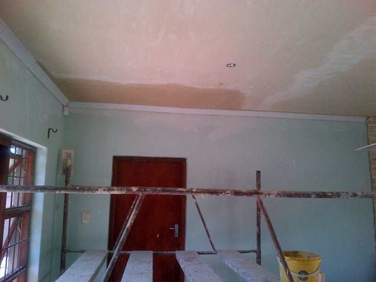 Skimming of ceilings and cornice installations