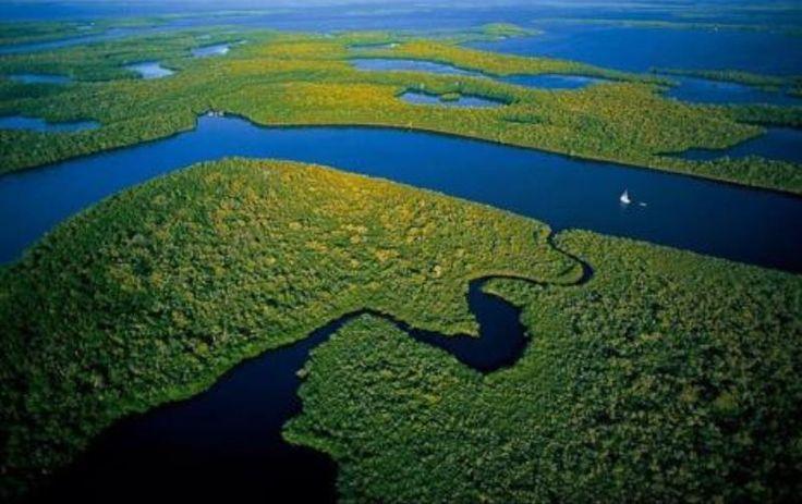 Já pensou se existisse uma reserva de água subterrânea capaz de abastecer todo o planeta por dois séculos e meio? Pois acredite: ela já existe. E fica no Brasil – mais precisamente na região da Amazônia. Batizado de SAGA (Sistema... Leia mais