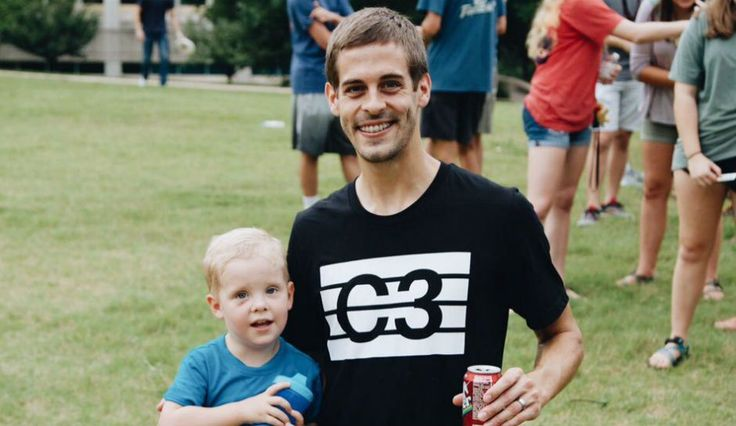 Derick Dillard Breaks Silence To Thank Supporters After Being Fired From 'Counting On'
