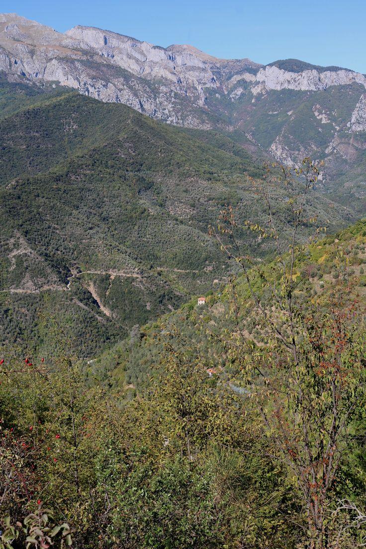Castelvittorio (IM) - uno scorcio di Alta Val Nervia