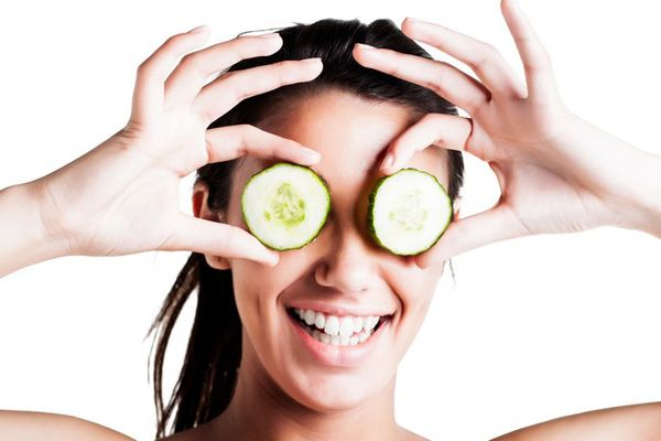 7 Best #Natural #Makeup Removers You can Find in Your Kitchen - BollywoodShaadis.com #beauty