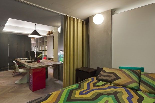 Lar asiático tem décor com perfume europeu Casa serve também como escritório para arquitetos