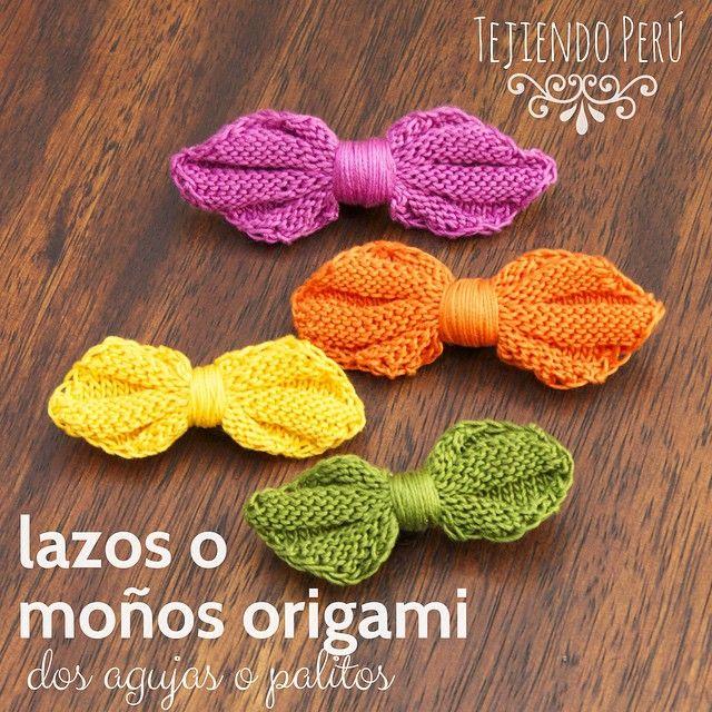 Mini video tutorial de hoy miércoles: además de las mariposas hicimos lazos o moños también inspirados en el arte de origami tejidos en dos agujas o palitos! Pueden ver el video en nuestro canal de YouTube: http://youtu.be/fPHfMpe_jdY   This video includes English subtitles: Knitted butterflies and bows (inspired by origami)!