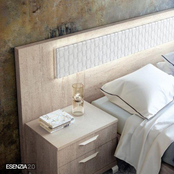 El catálogo Esenzia ofrece iluminación led opcional para incorporar en los cabezales y en los armarios, con el fin de dotarlos de modernidad y practicidad.