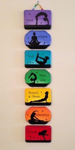 Chakras cores e posições de yoga...amo estes quadrinhos!