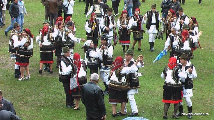 folklore festival of dancing