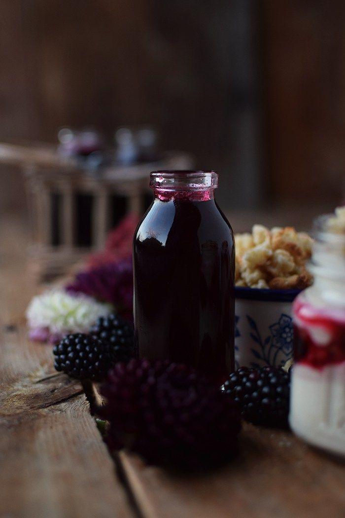 Brombeer Sirup und Mascarpone Dessert mit Streuseln - Blackberry Syrup and Dessert | Das Knusperstübchen
