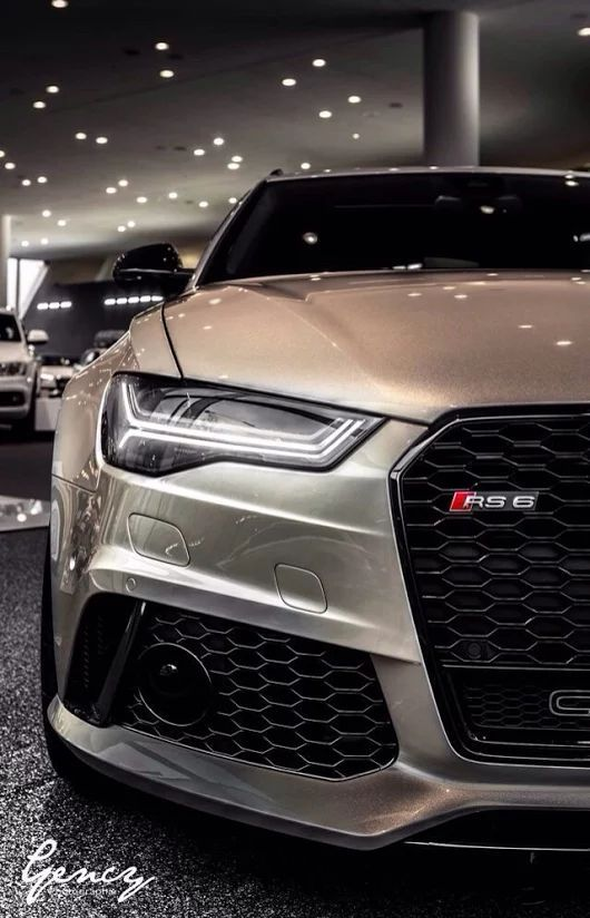 awesome Photo...  Audi A6 / S6 / RS6