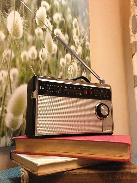 Too Cute Vintage Sears Silvertone 10 Transistor Radio By