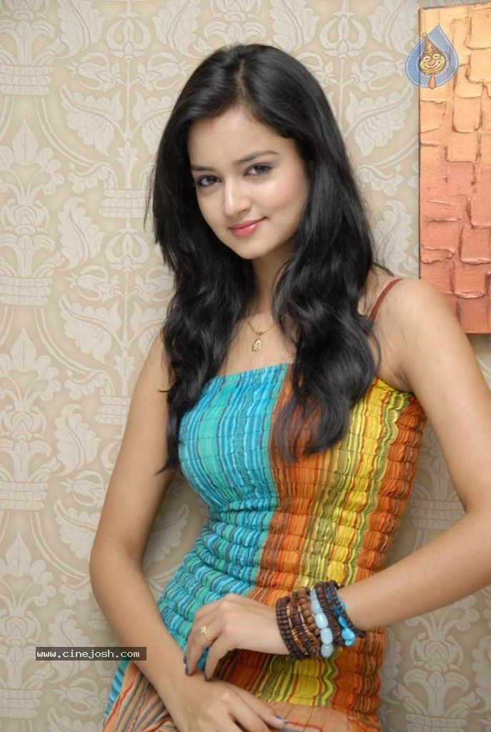 Who Is The Most Beautiful Heroine In South India Hno At