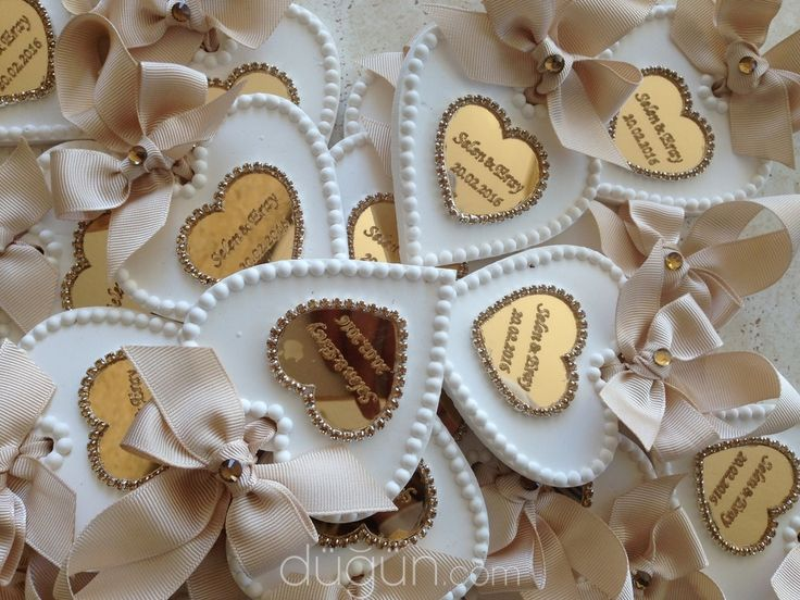 Creamy Gifts - D434636