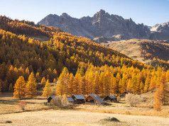 Z alpského údolí Vallée de la Clarée se na podzim stává turistické nebe