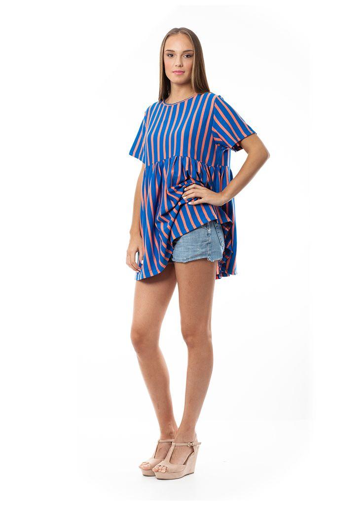 Mini dress with stripes. Find it online at www.disu.gr
