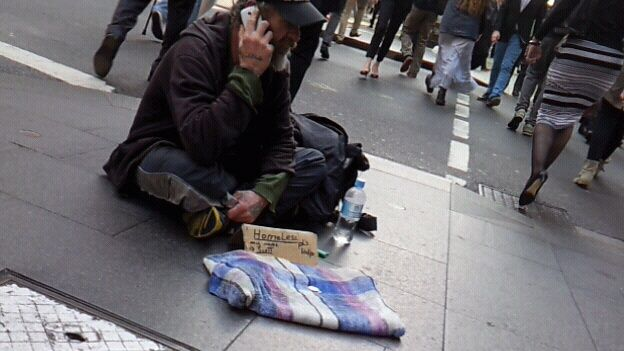 #Sydney #homeless #smartphone #mobile #iphone #Samsung