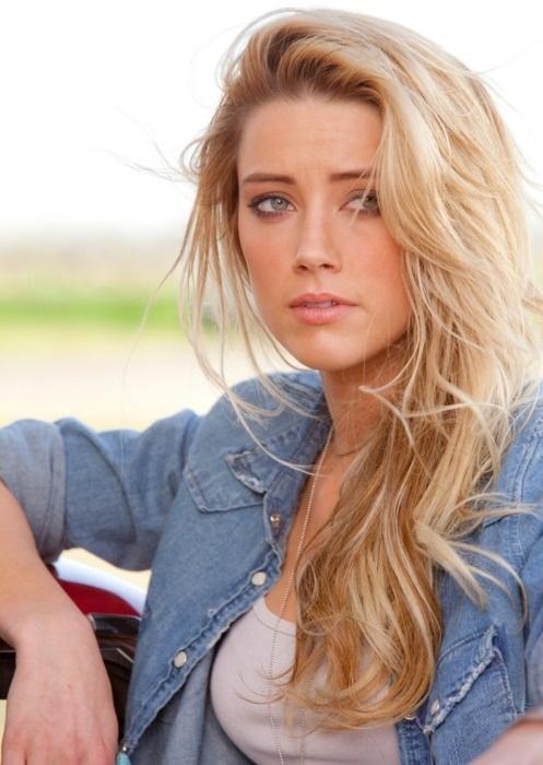 The perfect blonde Amber Heard in 2020 Amber heard