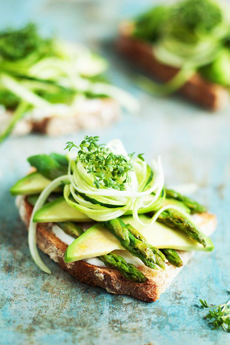 Fruehstueck_Green-Avocado-Sandwich_SabrinaSue_Titelbild
