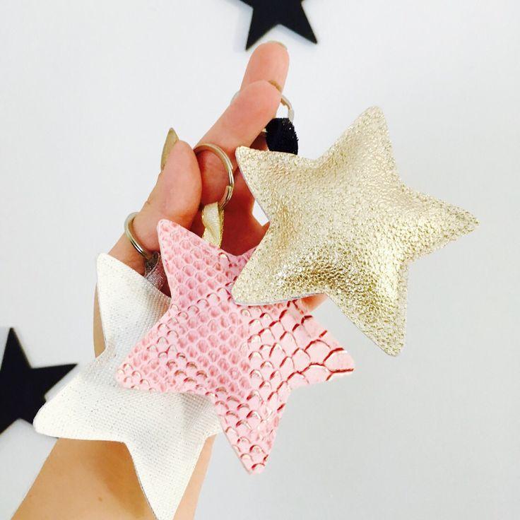 Porte clés étoile rose et doré en simili cuir,idée cadeau de noël à petit prix : Porte clés par miss-so-chic