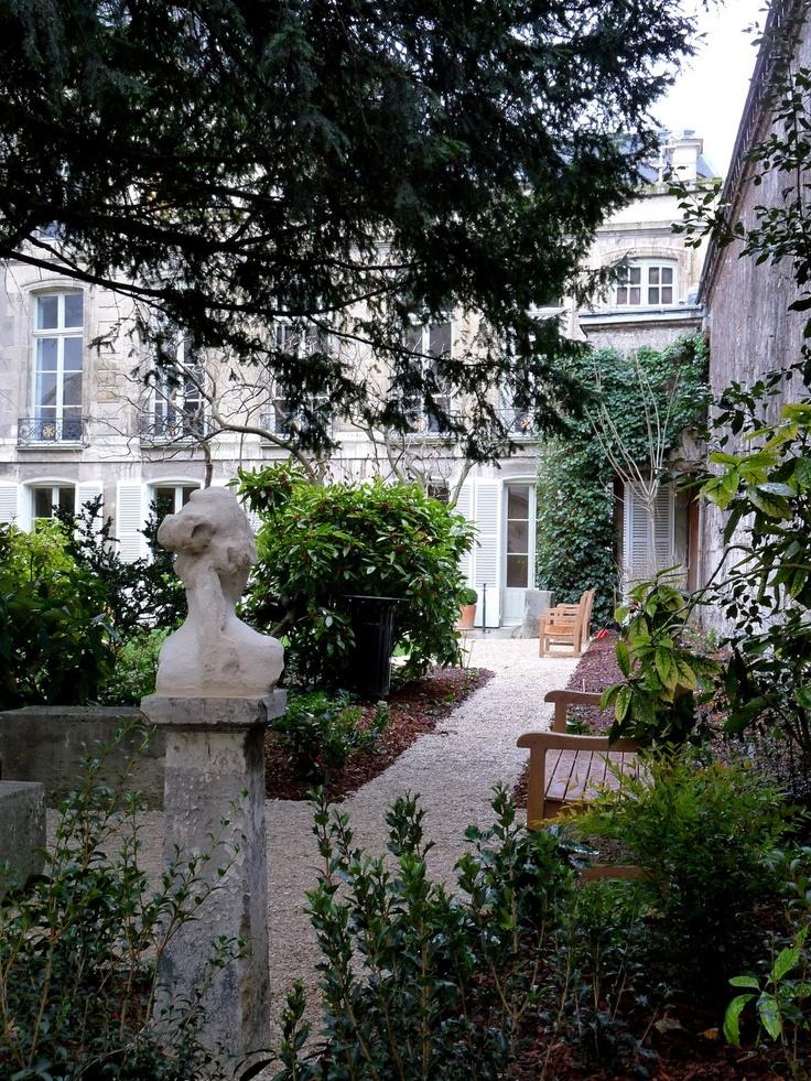 346 best paris 3e temple quarter images on pinterest for Jardin 41 rue du temple