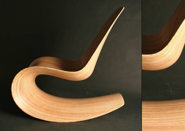 Belíssima criação do designer Jolyon Yates, a Savannah Rocker III (ou Breeze) é uma cadeira de balanço feita inteiramente de madeira. Segundo o site do criador, a madeira utilizada é um laminado de bétula e a cadeira mede 1000mm de altura x 520mm de largura x 1000mm de profundidade.