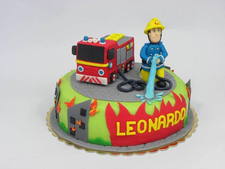 torta di pasta di zucchero sam il pompiere