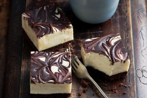 There's no faster way to win hearts than with a delicious homemade cheesecake slice. Perfect for picnics, desserts or lunchbox treats.