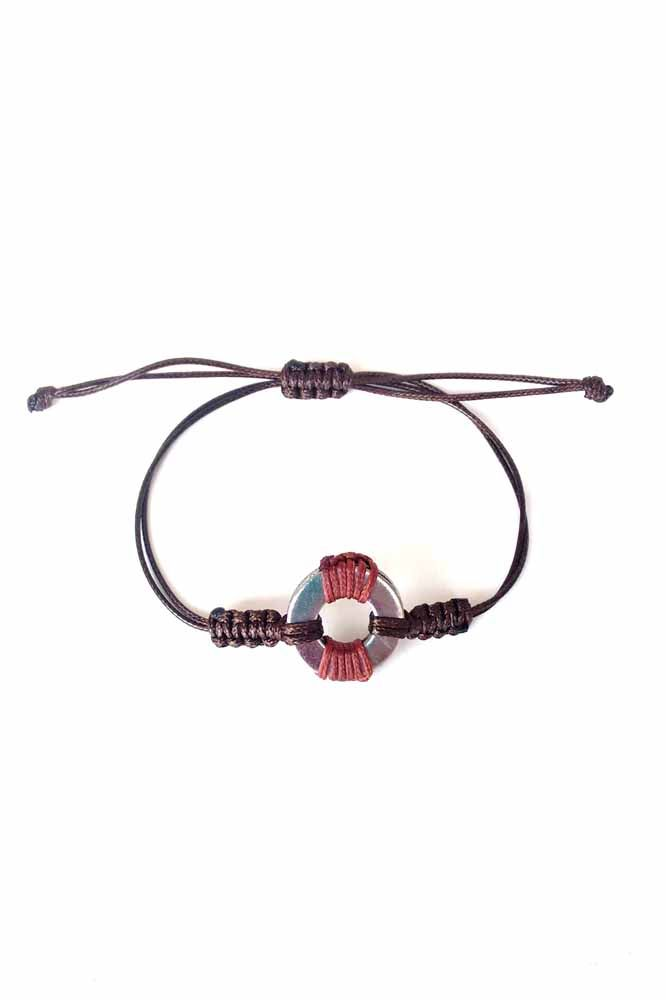 HANDMADE MEN'S BRACELET WITH A STAINLESS ELEMENT IN THE SHAPE OF CIRCLE WITH WAXED CORD