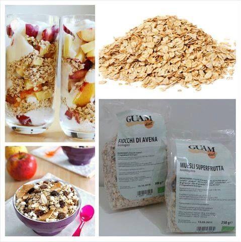 Uno degli esempi di alimenti per la colazione BIO 100% . Fiocchi d'avena, crusca d'avena, semi di lino, ecc ...
