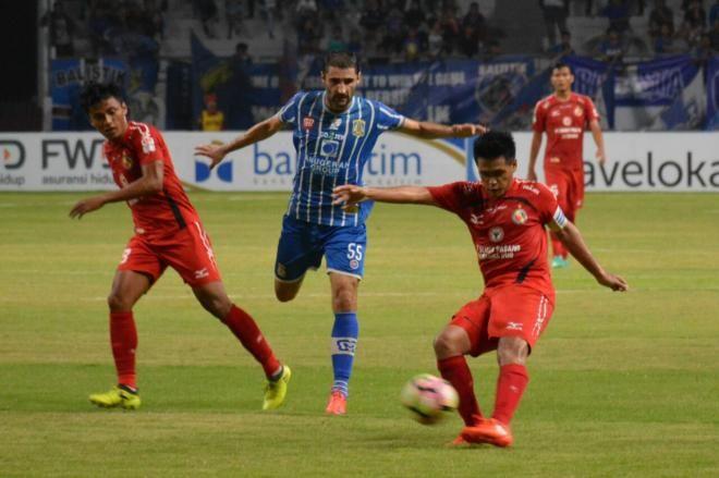 Covesia.com - Semen Padang FC kembali menuai hasil buruk usai ditaklukkan 1-0 atas tuan rumah Persiba Balik Papan, pada Kamis (21/9/2017) malam di Stadion...