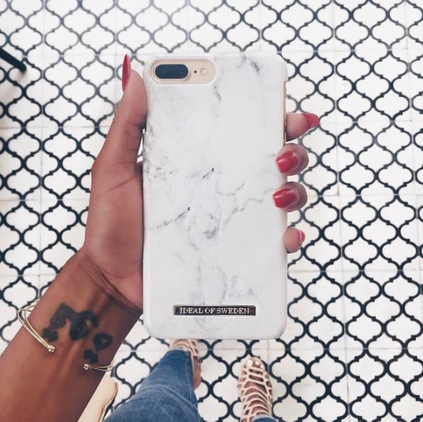 White marble, tiles, fashion, marble, phone case, summer, simplicity, (pic courtesy: @hangitupla)