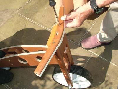 M s de 25 ideas incre bles sobre bicicleta de madera en for Planos de muebles de madera pdf