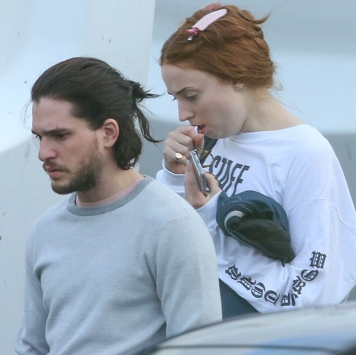 First images of Sophie Turner (and her wig) on the set of Game of Thrones