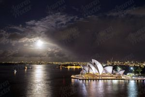 Sydney Opera House and the Supermoon, www.laurenproctorphotography.com