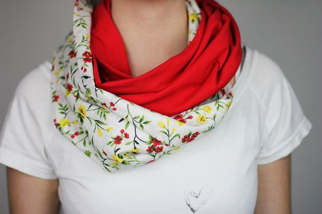 gemustert - Loop Schal Rot geblümt genäht Schlauch - ein Designerstück von Knitters bei DaWanda