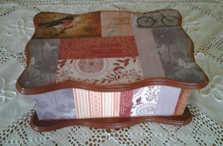 Caja de costura creado con laminas estampadas