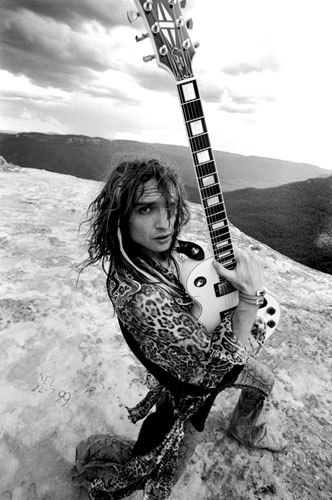 Justin Hawkins. Blue Mountains, Australia. Love Is Only A Feeling ♪ ...Justin is particularly handsome, beautiful really...AND he wears leopard!