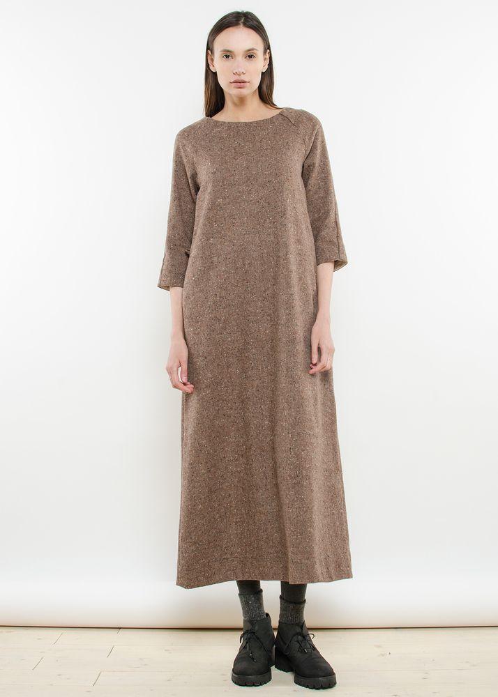 Серо-коричневое платье макси с вкраплениями из шерсти