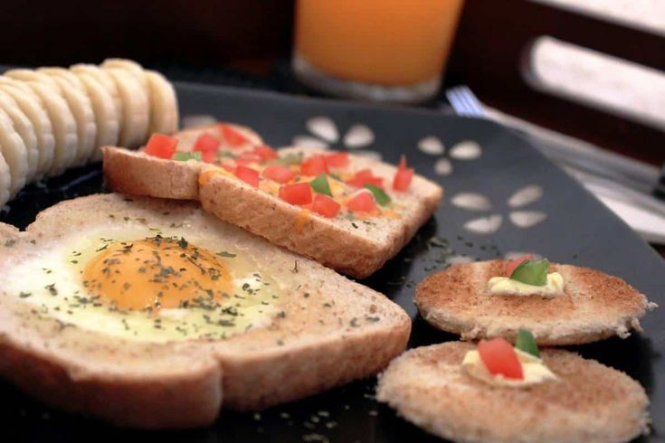 El huevo es una gran fuente de proteínas y nutrientes, así que unas buenas recetas con huevo nos pueden ayudar a empezar el día con mucha energía