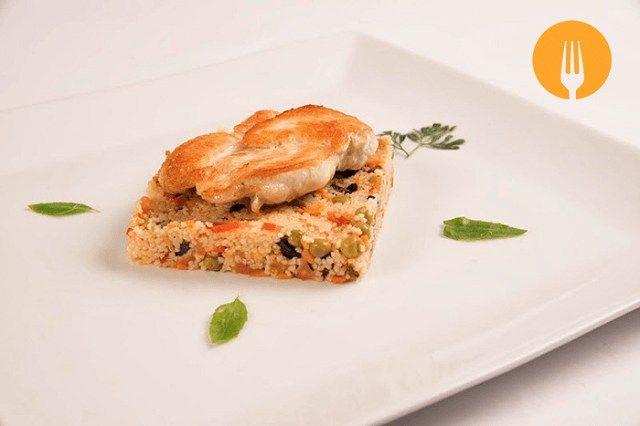 Pechugas de pollo con cous-cous de verduras Receta de fácil y rápida elaboración, que podréis elaborar cualquier dia de la semana tanto para una comida, c