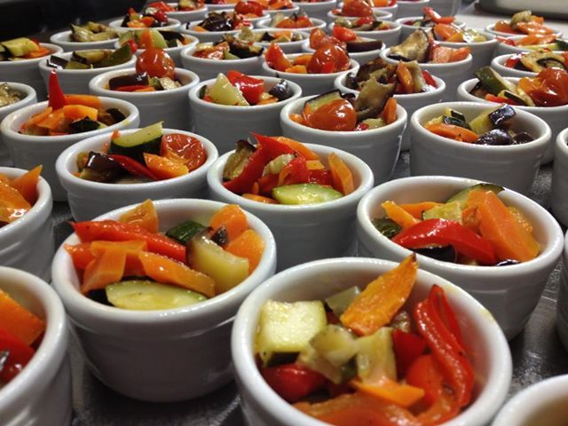 fricassea di verdure : verdure cotte al forno con alloro pepe nero in grani e vino bianco - italian food, love Italy