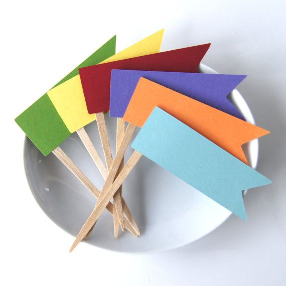 12 Rainbow Flag Pennant Cupcake Toppers, Party Picks or Skewers on Etsy, kr 26,15