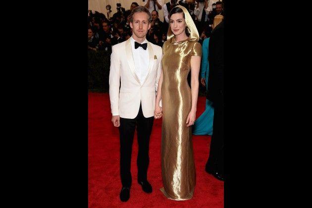 Anne Hathaway's husband is jewelry designer Adam Schulman.