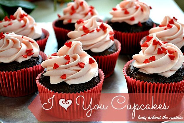 Lady Behind The Curtain - I Heart You Chocolate Strawberry Cupcakes