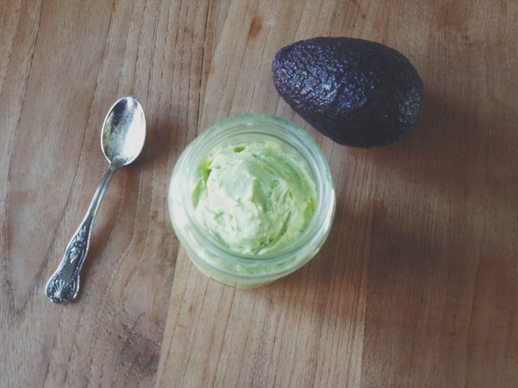 Romige avocado-geitenkaas mousse   Personal Foodcoaching  - Heerlijk op een zadencracker, speltboterham, rijstwafel of als dip bij rauwkost.